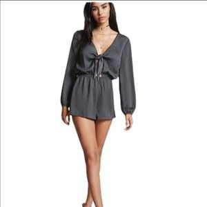 ✨F21 NWT Crinkle Front Tie Satin Romper Shorts